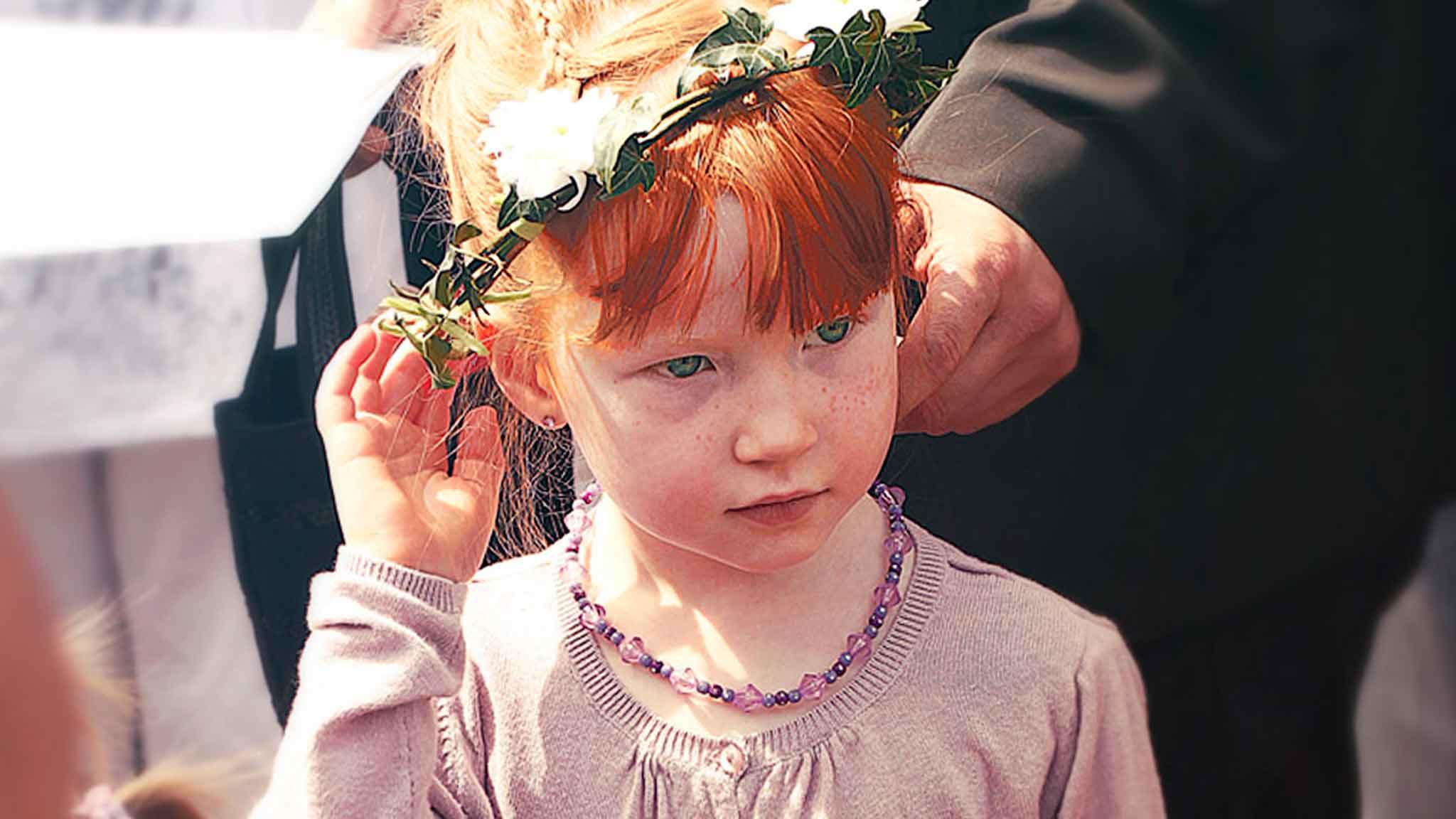 redhead-girl-bridesmaid-demoiselle-honneur-photographe-mariage-wedding-photographer