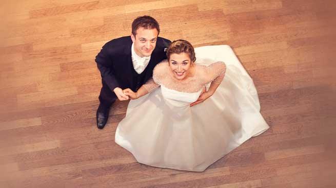 Portrait de couple en plongée