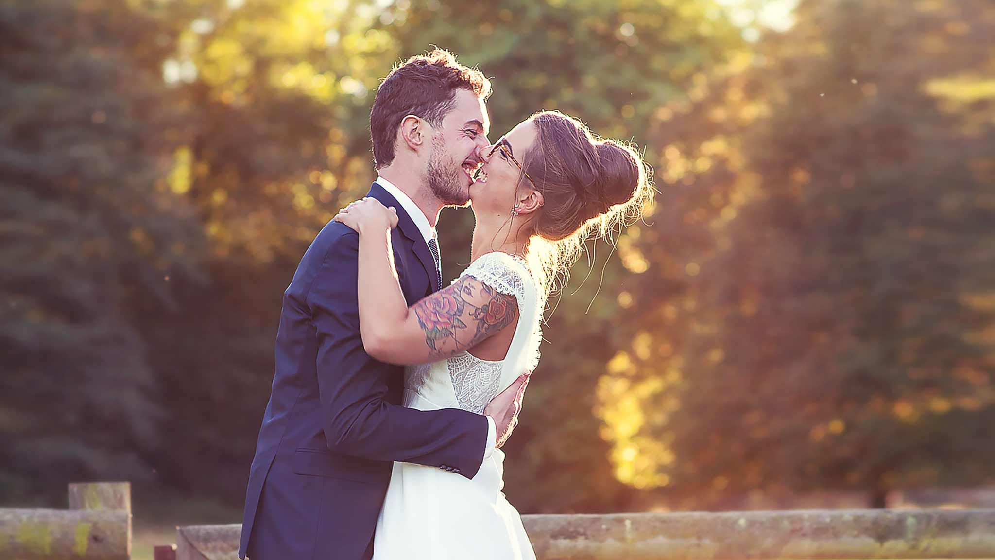 portrait de couple automne cinema photographe mariage fall wedding photographer