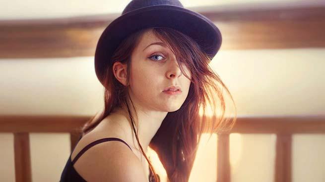 Portrait au chapeau